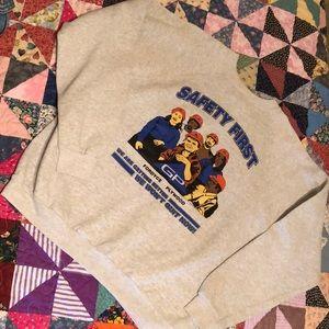 Vintage heather graphic sweatshirt!